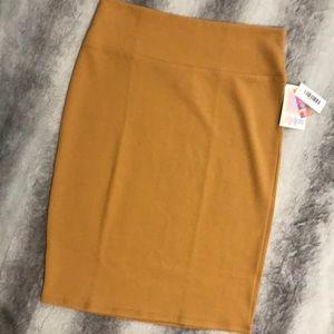 NWT LuLaRoe Cassie skirt mustard yellow Large ☀️